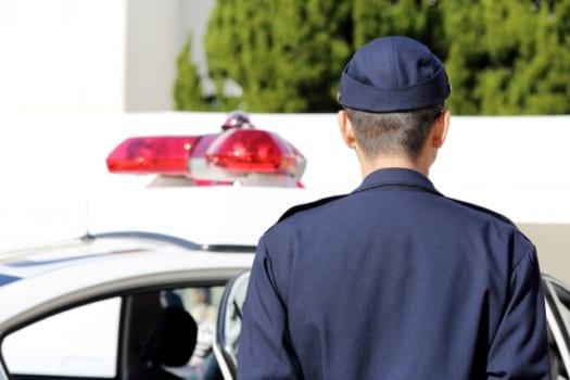 警備員と警察を制服で見分ける方法